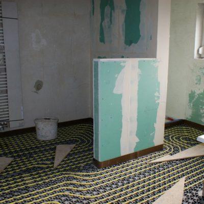 Sanierung Bad Verlegung Fussodenheizung